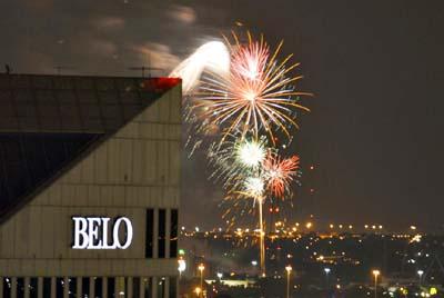 belo_fireworks_2006070202pa.jpg